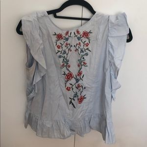 Floral blouse with back opening